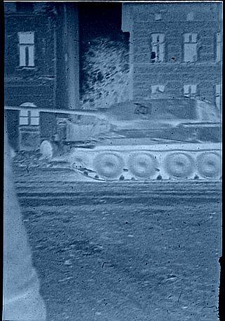 56_tank_az_utcan_allokep_szpngtv_321457_jvrz215.jpg