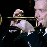 Grammy-díjas trombita művész és zeneszerző ad koncertet Budapesten