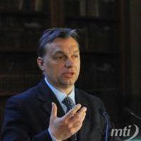 Orbán ígér és megoszt