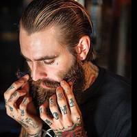 A szakállolaj. Hasznos kiegészítő vagy hipszter hóbort?