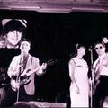 Lennon élt, Lennon él, Lennon élni fog! – így emlékeztek egy legendára a KEK színpadán
