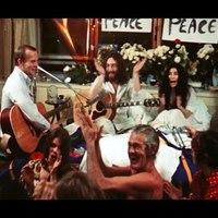 """""""Give Peace a Chance"""" – éneklik John Lennon dalát a vietnami partizánok"""