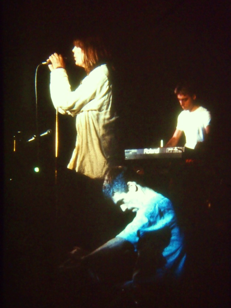 02_nico_koncert_1985_pecs_koszits_attila_fotoja.JPG