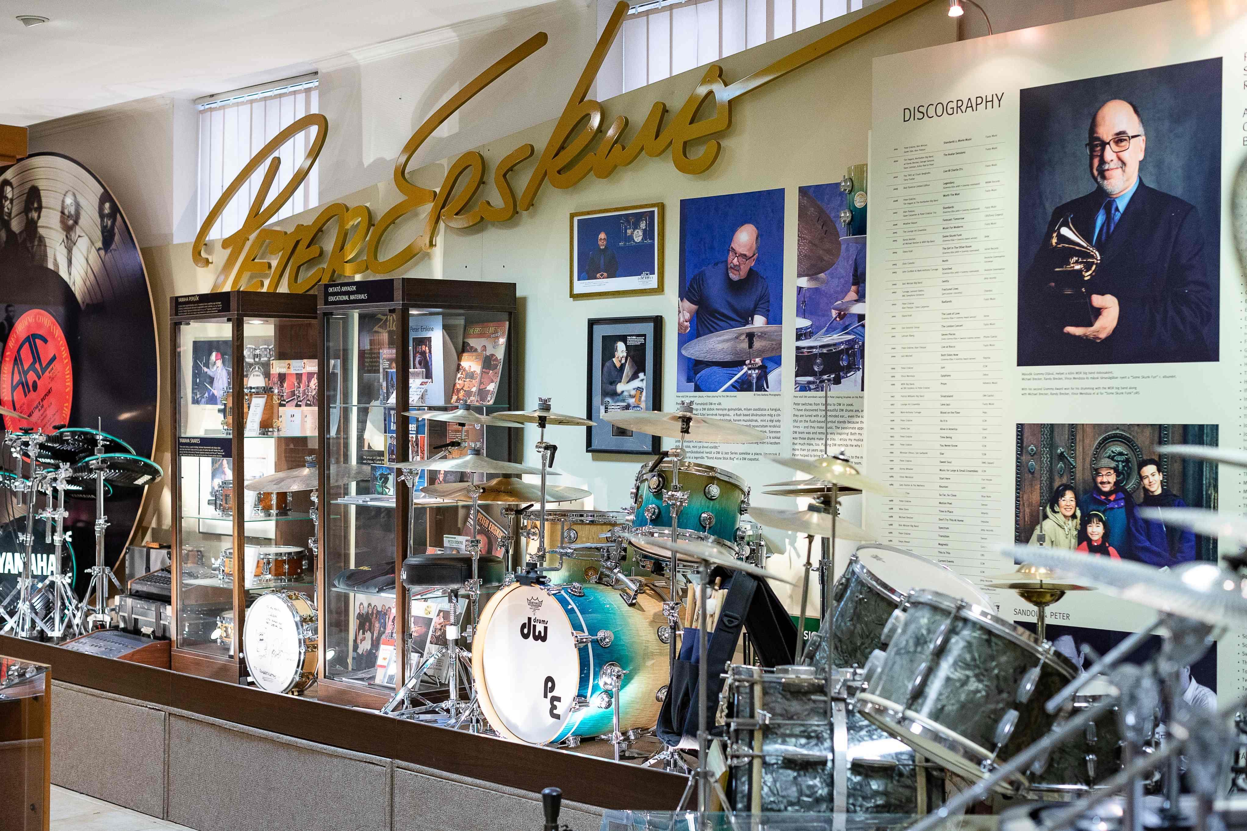 Peter Erskine zenei pályafutását bemutató állandó kiállítás