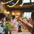 Az átgondolt esküvői ültetési rend kulcs a meghitt, vidám lakodalomhoz