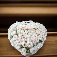 Gyűrűpárna rózsából