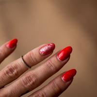 nails | nyomdamánia