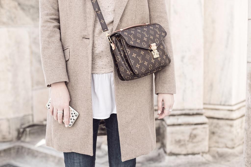 mfw_beautyjunkie_outfit_milano_louisvuitton_duomo_9_2.jpg
