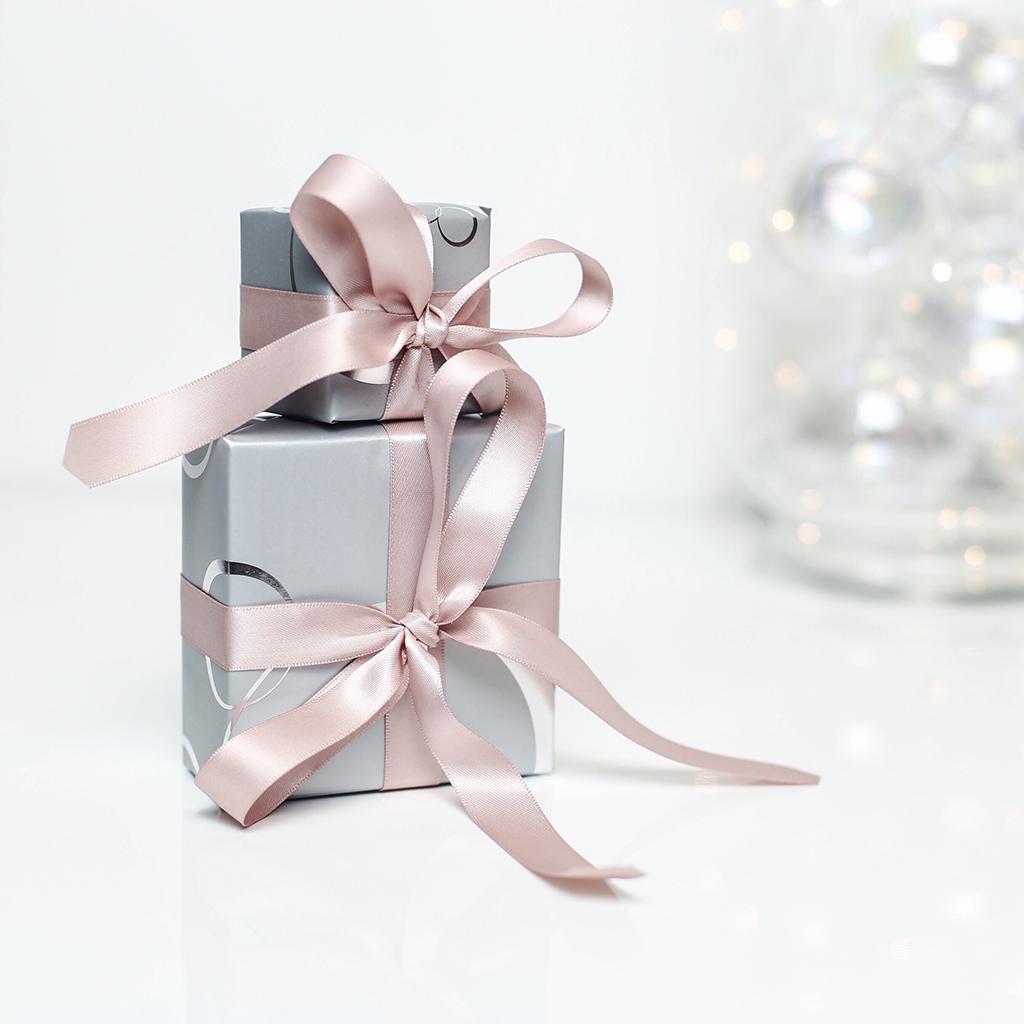 pandora_joy_of_giving_kara_csony_beautyjunkie_5_2.jpg