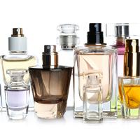 A füsttől a dizájner üvegig: a parfümös üveg, mint művészeti alkotás