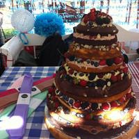 Bébicsirke esküvői tortája