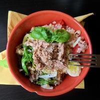 Tonhalas-póréhagymás bulgur saláta