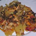 Tepsis krumpli hússal, gombás lecsóval