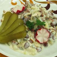 Krumplis, gombás saláta