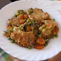 Párolt zöldségre rakott hús
