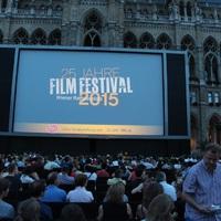 Tarol a szabadtéri mozi Bécsben