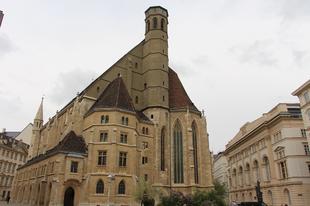 Hét palota egy placcon