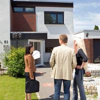 Van egyáltalán jobb munka, mint az ingatlanközvetítés? Tévhitek a szakmáról.
