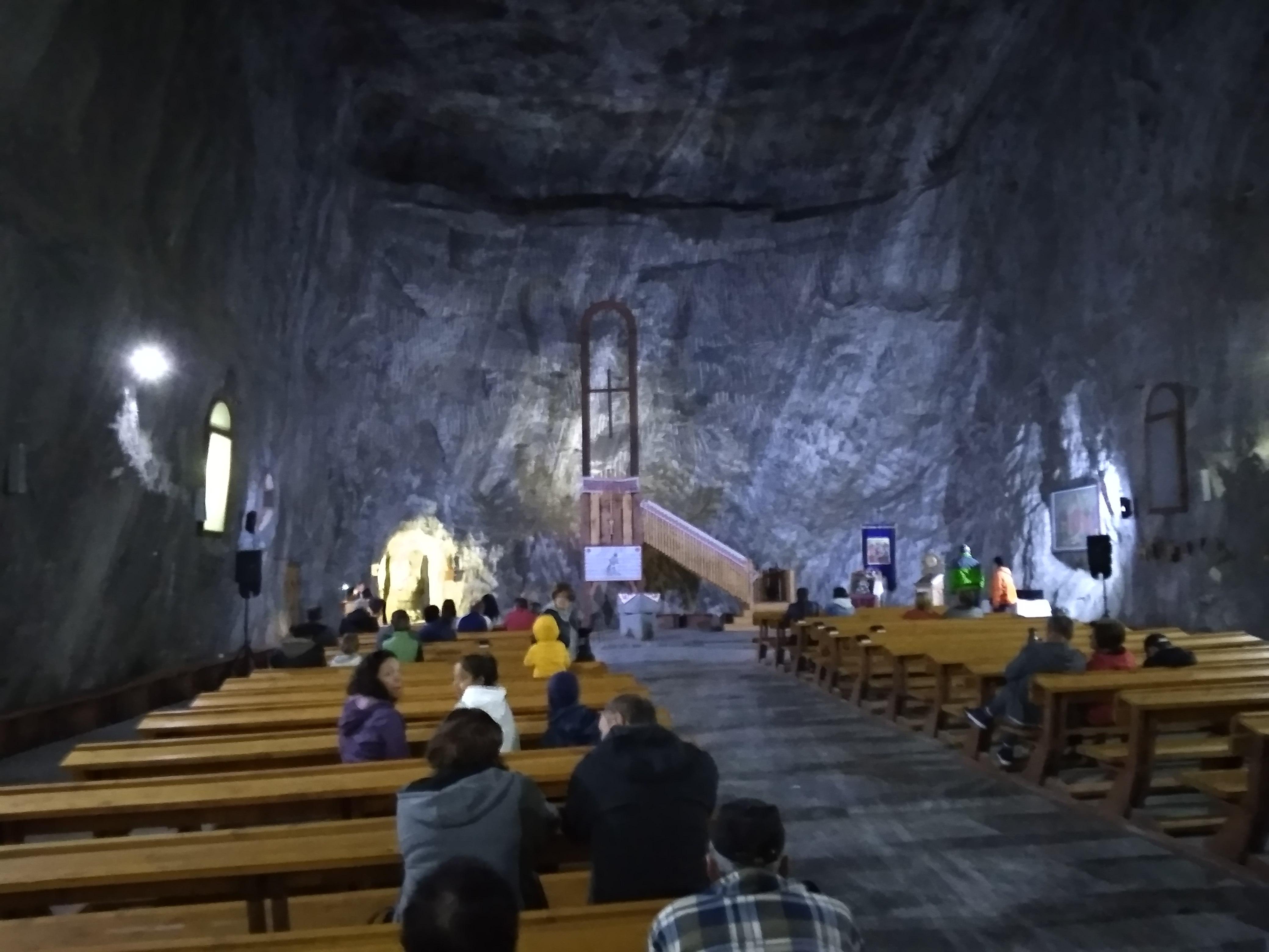 A parajdi sóbánya templomában.