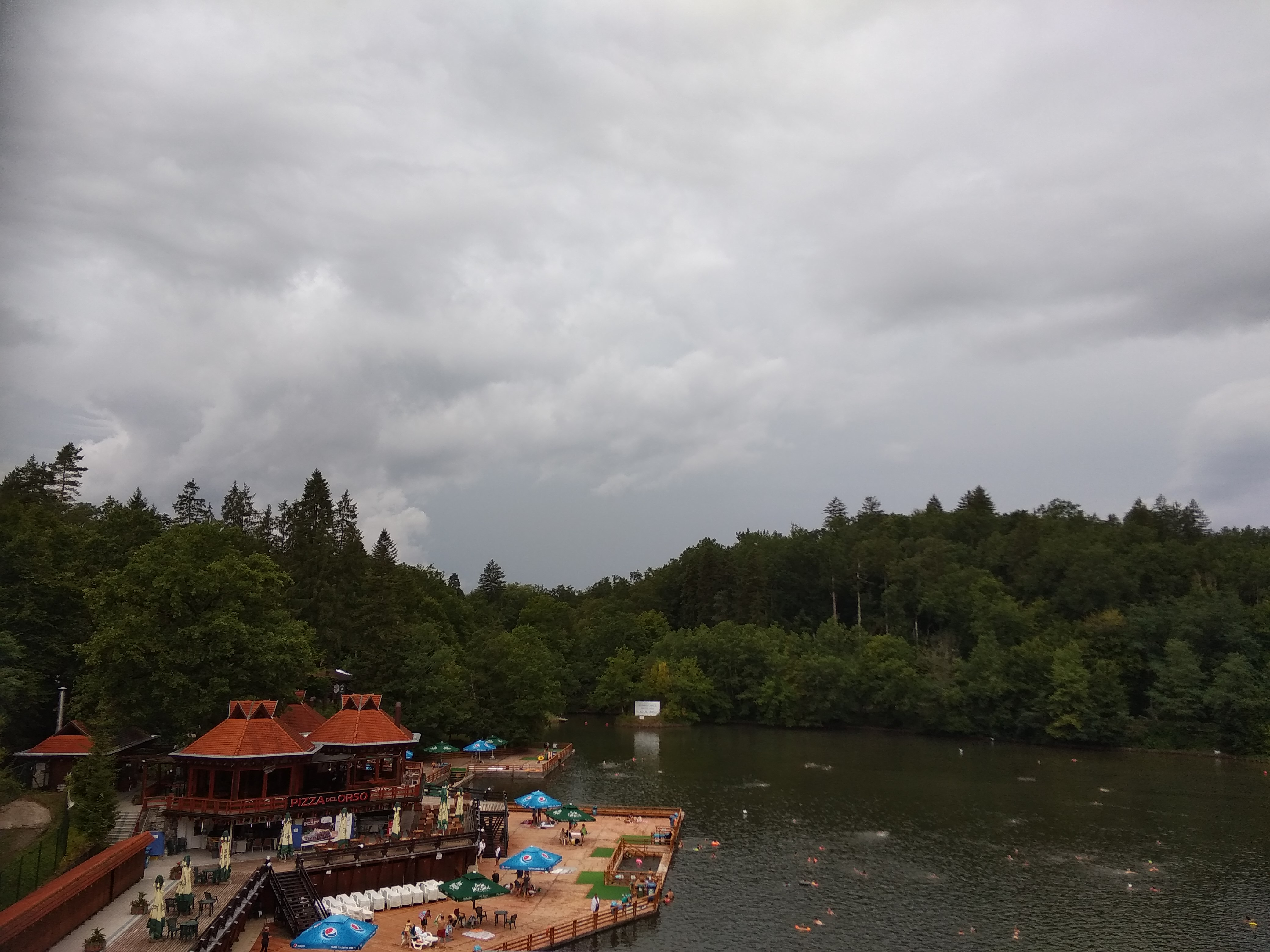 A kihagyhatatlan szovátai Medve-tó.