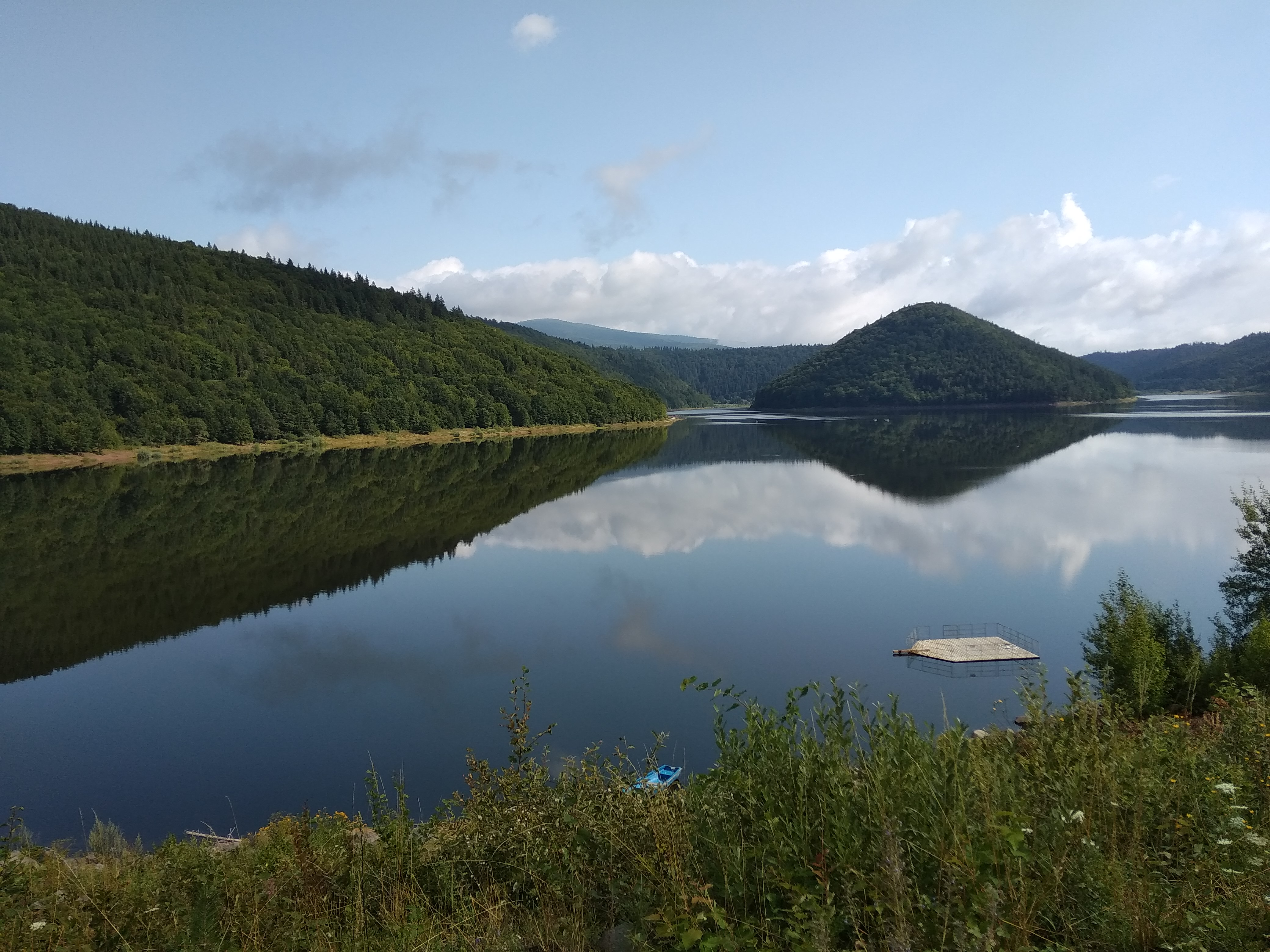 Zetelaki víztározó. A gyönyörű tó Nicolae Ceaușescu idejében a székelyek elleni hideg fegyver volt.
