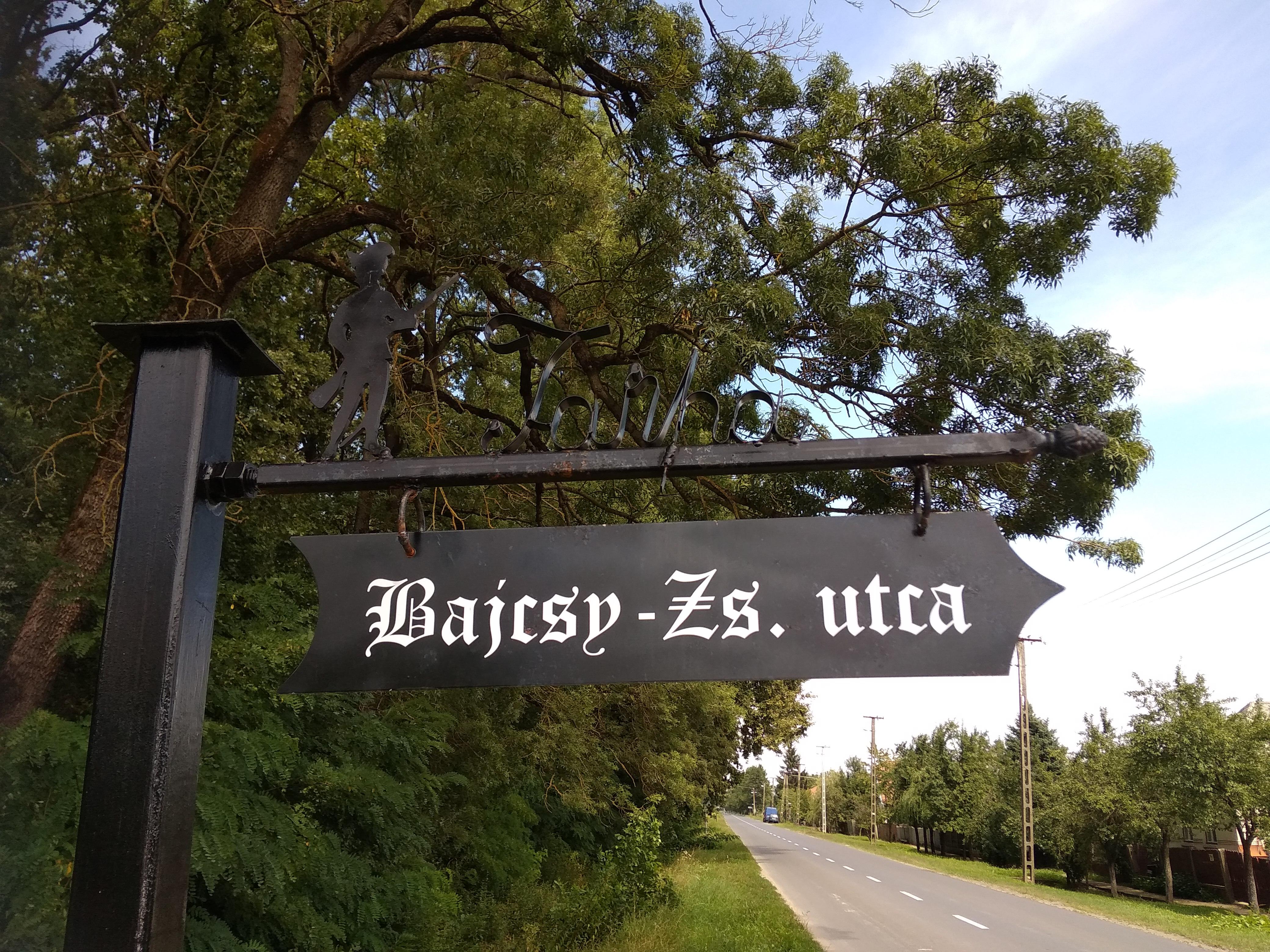 Ez az utolsó előtti utca a hegy felé. Ki tudja, miről híres?