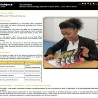 Szakképzés Angliában: gyakorlatias tudás és iskolai autonómia