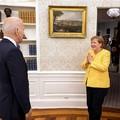 910. BEKIÁLTÁS: Merkel szívessége Putyinnak