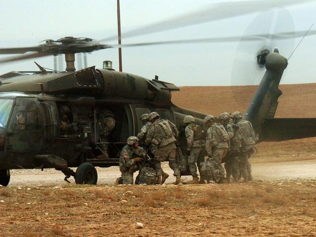 Fenyeget, meg nem is a NATO