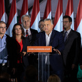 BEKIÁLTÁS: Változnia kell Orbánnak!