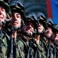 Moszkvában mosolyogtak a katonák
