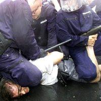BEKIÁLTÁS: Rátérdelhet-e a zsaru a nyakadra?