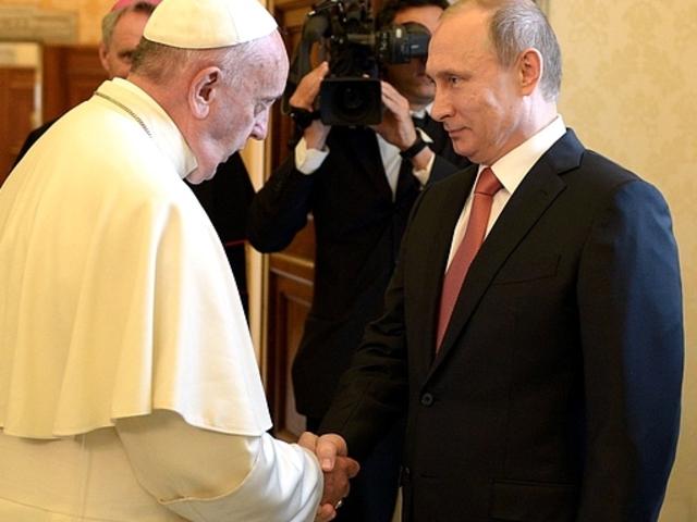 Putyinért imádkozik a pápa