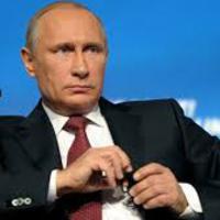 Két tűz közé került Putyin