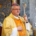 822.BEKIÁLTÁS: Veres püspök csúsztatott