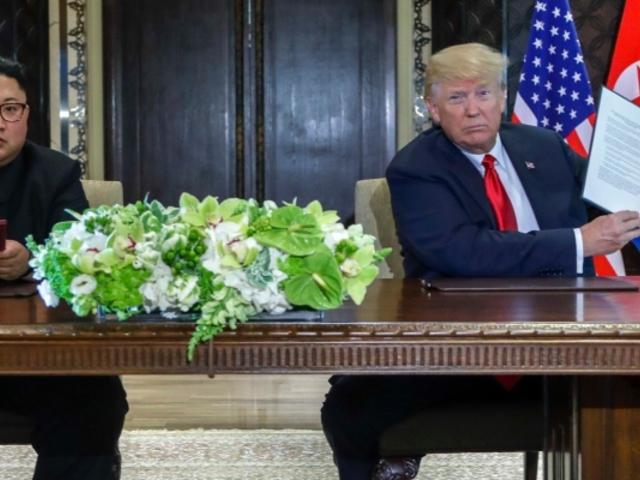 Trump feladja Koreát és Szíriát