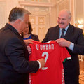 BEKIÁLTÁS: Orbán és Lukasenko egy csapatban