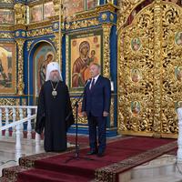 Megy, és mégis marad Nazarbajev