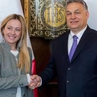 BEKIÁLTÁS: Orbán az újfasiszták között