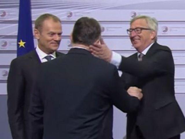 Kezdődik Orbán Canossa-járása