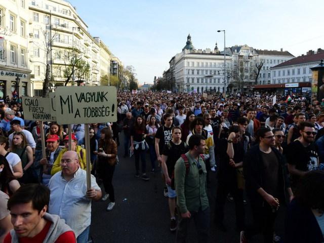 Ne gyűlöld a tüntetőket!
