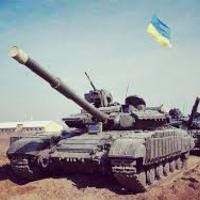 Ukrán tankok araszolnak az orosz határ felé