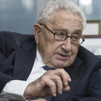 Kissinger beszólt Obamáéknak