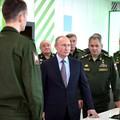 843. BEKIÁLTÁS: Miért nyírná ki Putyin a katonáit?