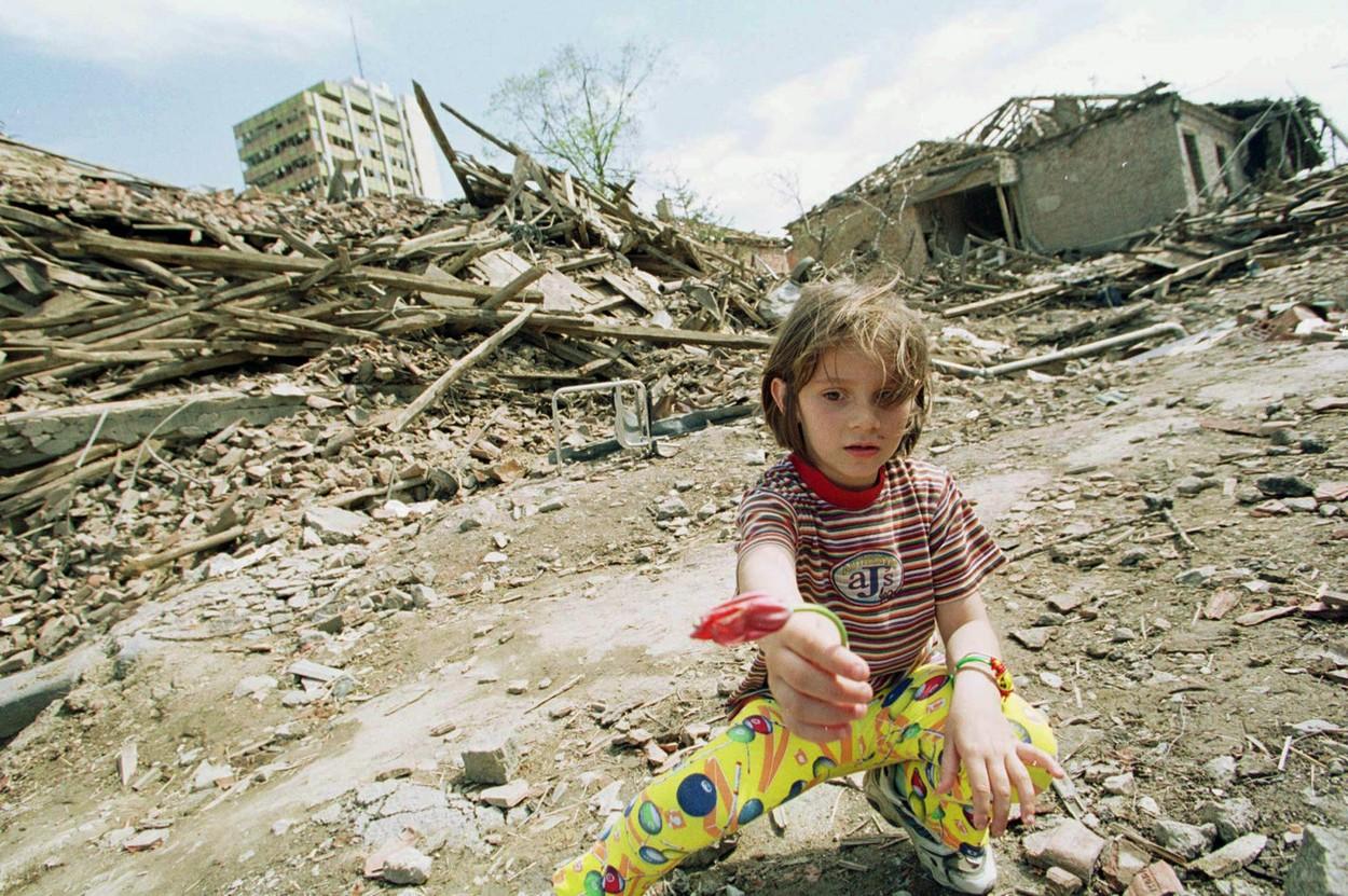 1999nato-bombardovanjeserbija.jpg