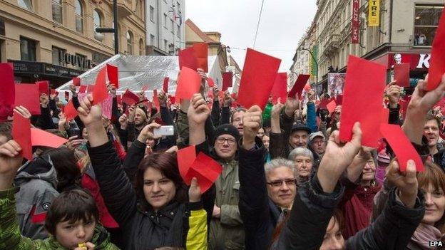 Prague - red cards 2014-11-17.jpg
