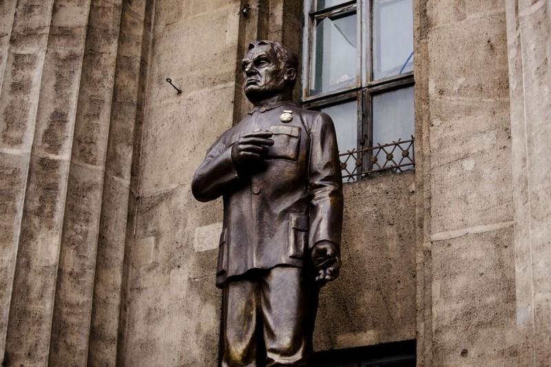 orban-viktor-szobor-800x533fotomti.jpg