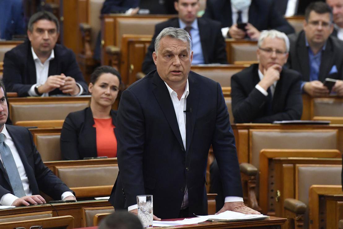orbanviktor2020-03-30parlament.jpg