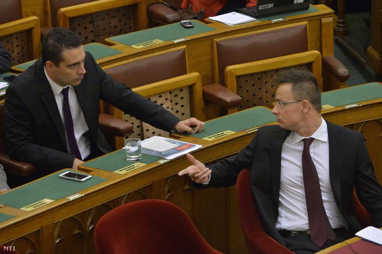 vona-szijjarto_2015parlament.jpg