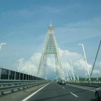 Át a Megyeri hídon